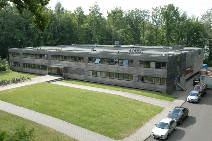 Institutsgebäude (c)