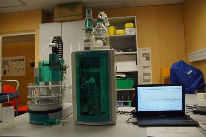 Ionenchromatographie-Arbeitsstation zur Bestimmung von Anionen (c)